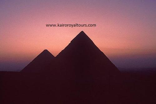 Die Pyramiden am Abend