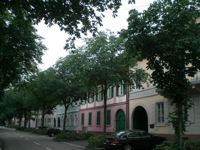 Stadthäuser des Adels und der Hofbeamten in der Karlsruher Stéphanienstraße