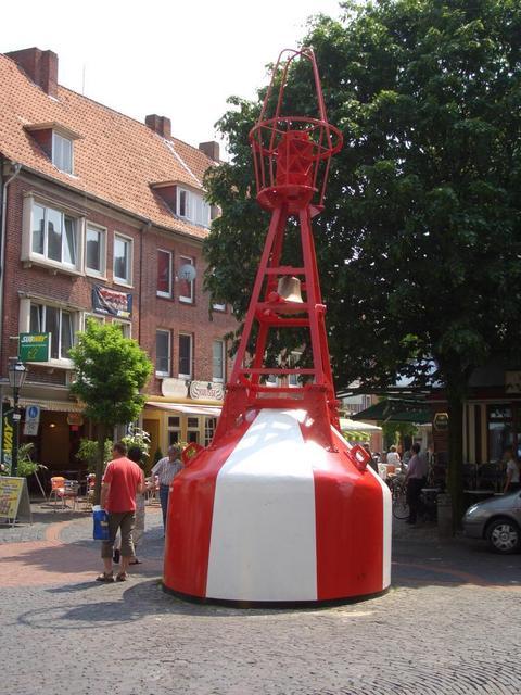 Boje in der Fußgängerzone in Emden