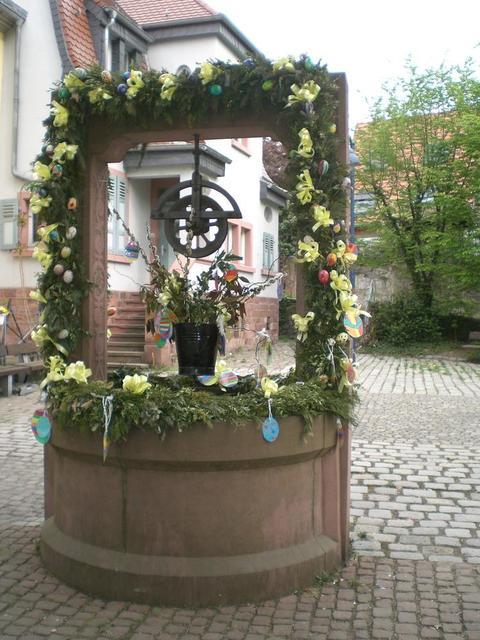 Brunnen vorm Rathaus in Feudenheim