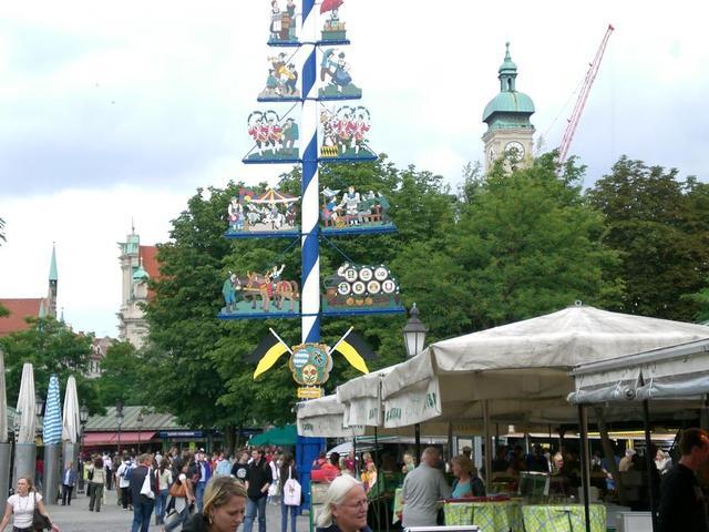 der Handwerkerbaum am Viktualienmarkt