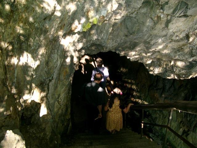 Der Eingang zum Tunnel