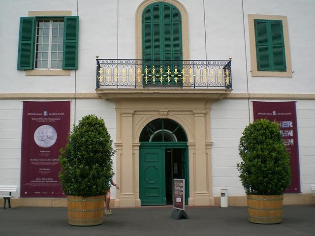 Eingang zum Brüder-Grimm-Museum