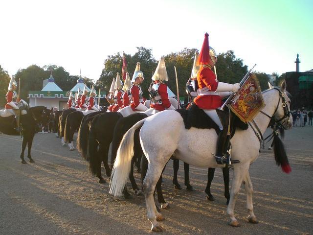Wachen vor Buckingham Palace