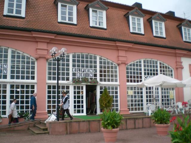 die Erbacher Elfenbein-Galerie mit HUT UP