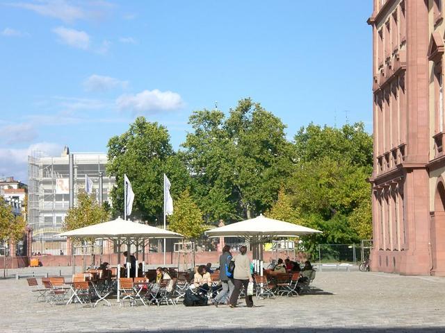 Studentenafé im Ehrenhof
