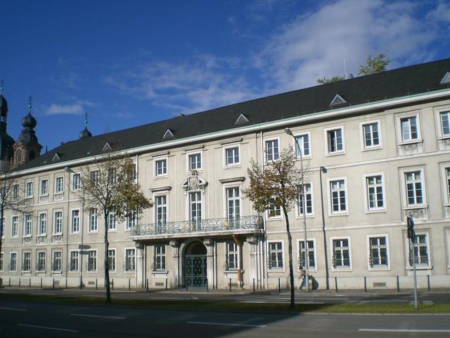 Palais Bretzenheim in A2