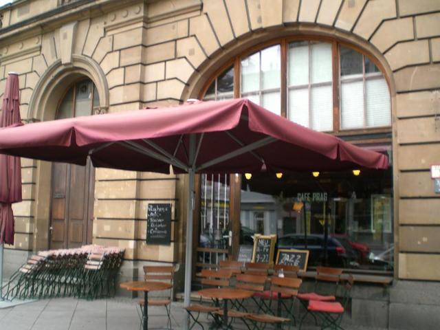 Café Prag mit Außensitzplätzen