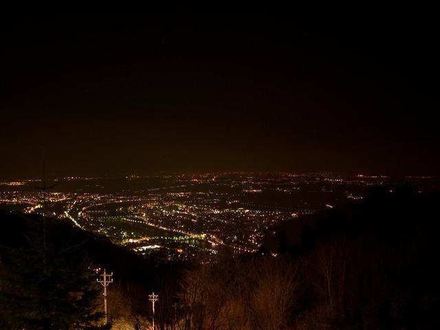 Blick vom Königstuhl auf das nächtliche Heidelberg