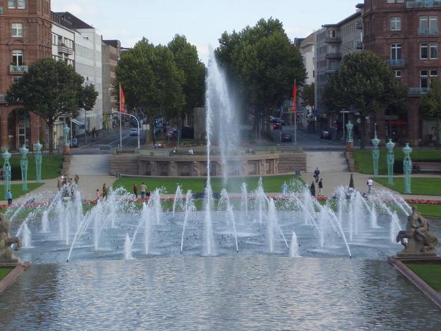 Wasserspiele am Friedrichsplatz
