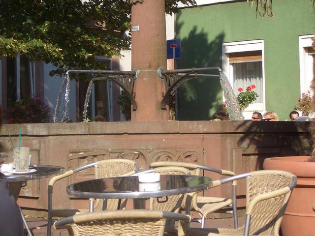 Draußensitzplätze beim Kaffeehaus Schriesheim