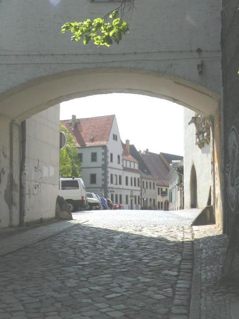 Weg zum Marktplatz von Torgau an der Elbe