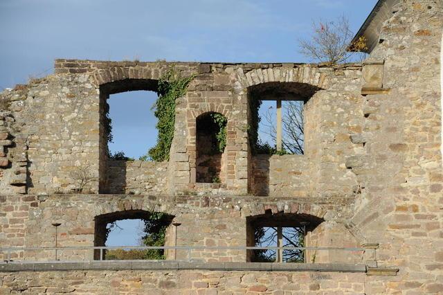 Alte Burgmauer auf Burg Altleiningen