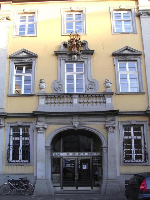 Fassade des Dalberg-Hauses