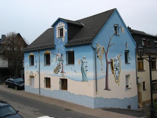 Haus mit Dalimotiven in Oberwesel