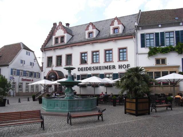 Der Deidesheimer Hof