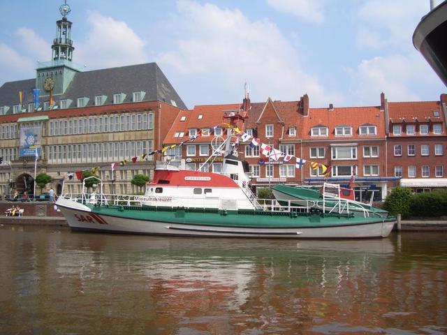 ein Museumsschiff in Emden