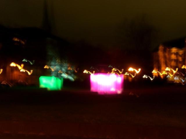 Leuchtwürfel zur Eröffnung der Lichtmeile