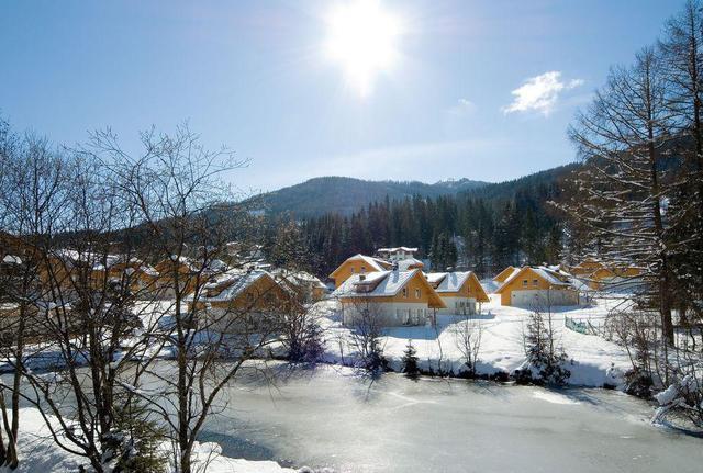 Winterlicher Ferienpark Landal Bad Kleinkirchheim