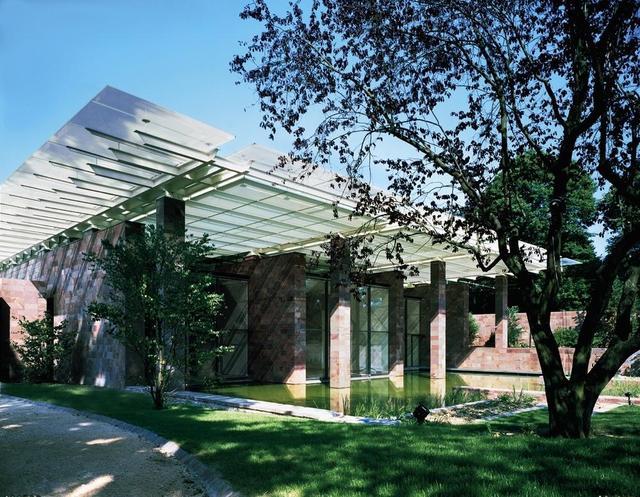 Der Eingangsbereich der Fondation Beyeler