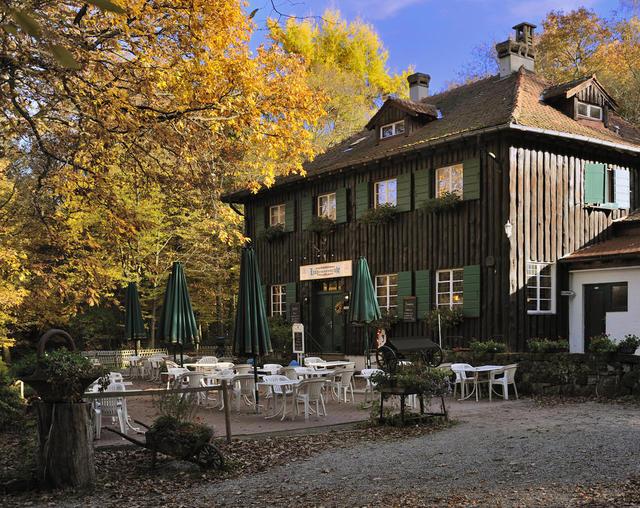 Forsthaus mit Garten