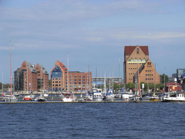 Am Stadt-Hafen in Rostock