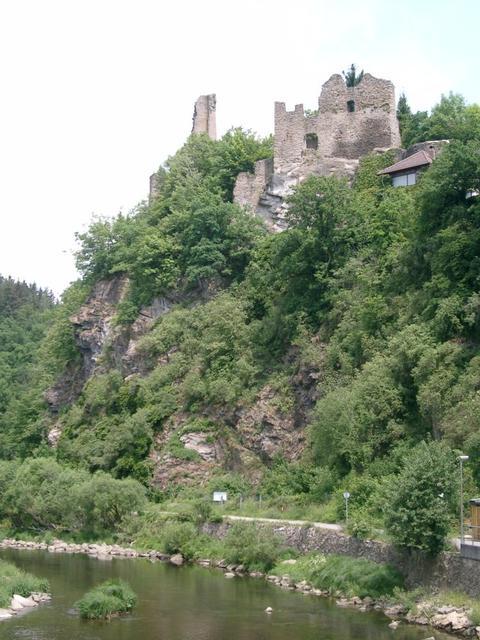 Burgruine in Hals über der Ilz