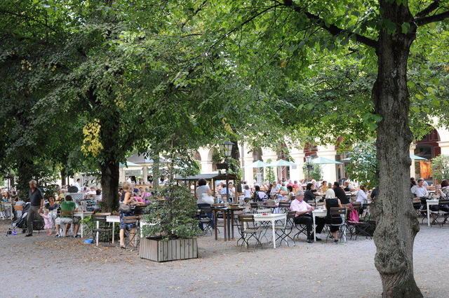 Toller Biergarten im Hofgarten München