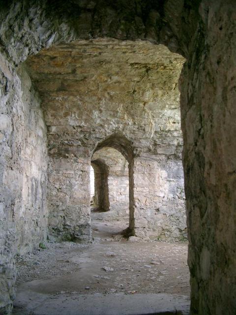 Durchgang auf Burg Hohen Neuffen