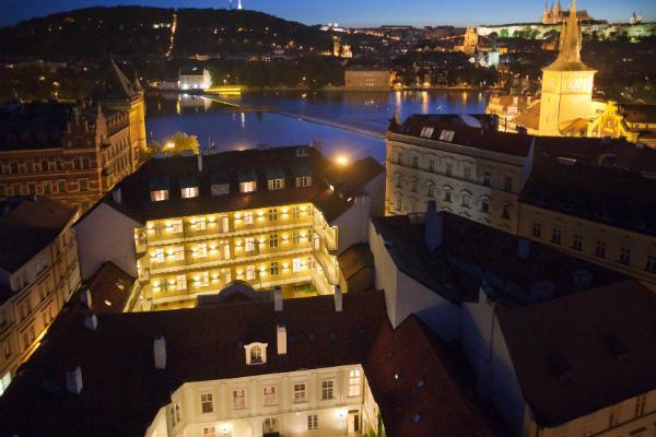 Hotel Pachtuv Palace bei Nacht