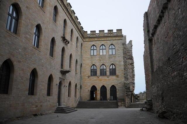 Innenhof Hambacher Schloss