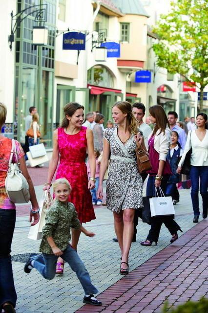Einkaufserlebnis in Ingolstadt Village