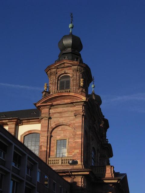 Der Turm der Jesuitenkirche