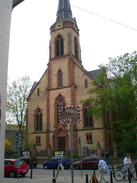 Die Johanneskirche in Feudenheim