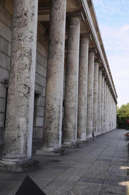Monumental: das Haus der Kunst
