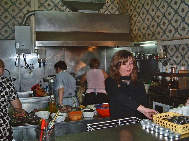 die Küche mit den Sägerinnen