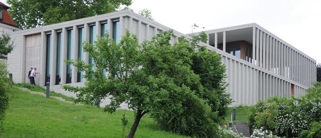 Literaturmuseum vom Neckar aus
