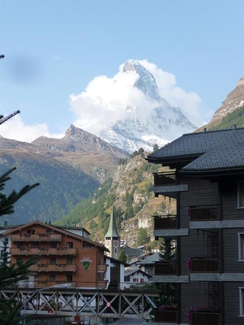 Das Matterhorn in Wolken