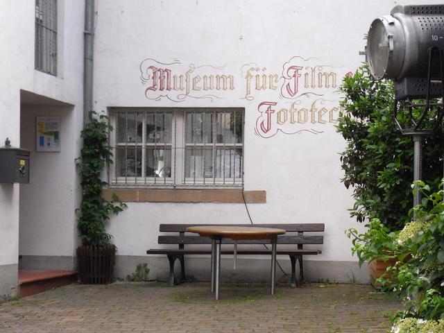 Eingang zm Filmmuseum