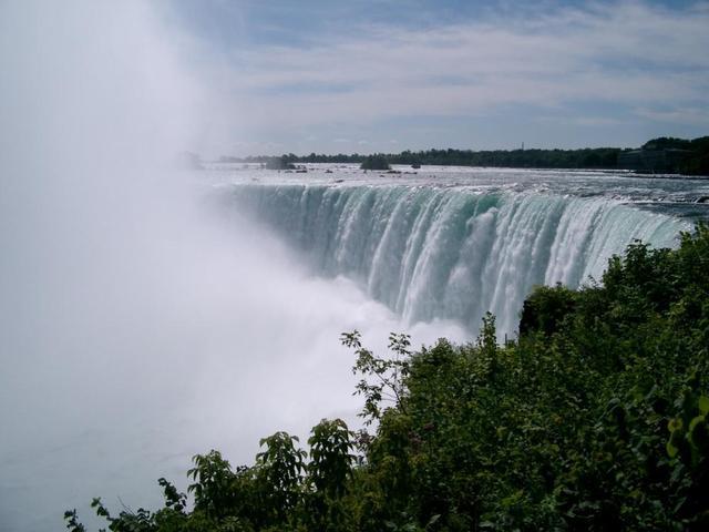 Die Niagara-Fälle: Tosende Wassermassen