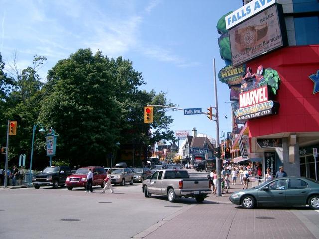 Shoppen an den Niagara-Fällen