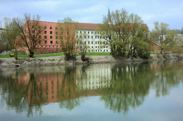Nikolakloster und Hörsaalgebäude