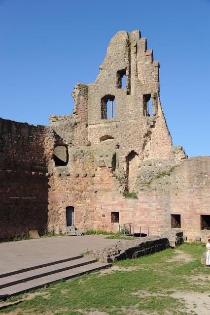 Palasgiebel Burg Neuleiningen
