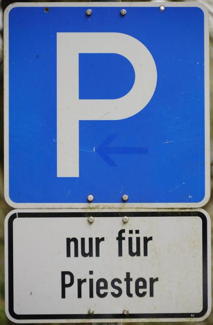 Parken nur für Priester