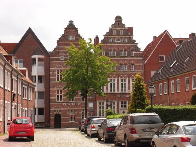 Peltzerhäuser