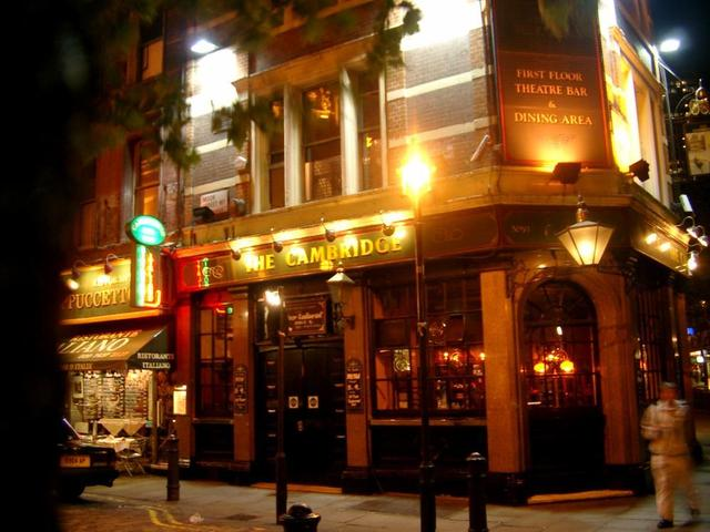 Pub in London: The Cambridge