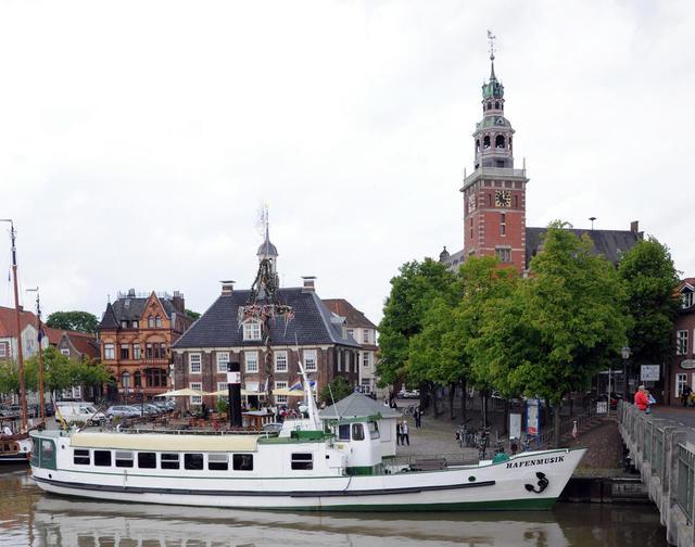 Rathaus und Waage