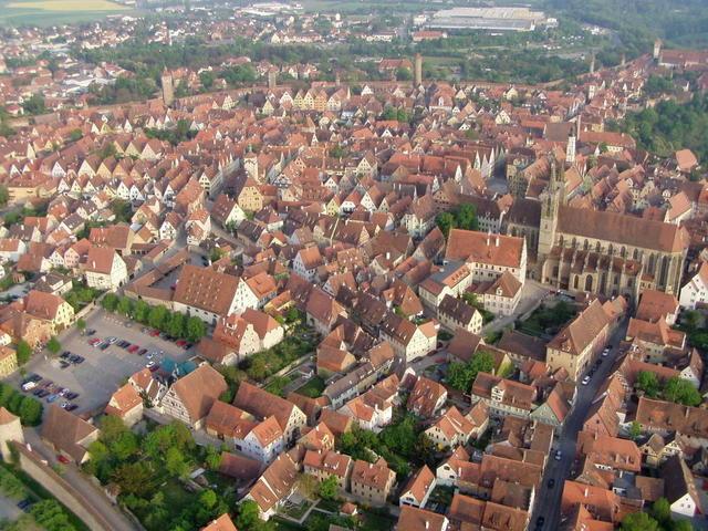 Luftaufnahme des malerischen Rothenburg ob der Tauber