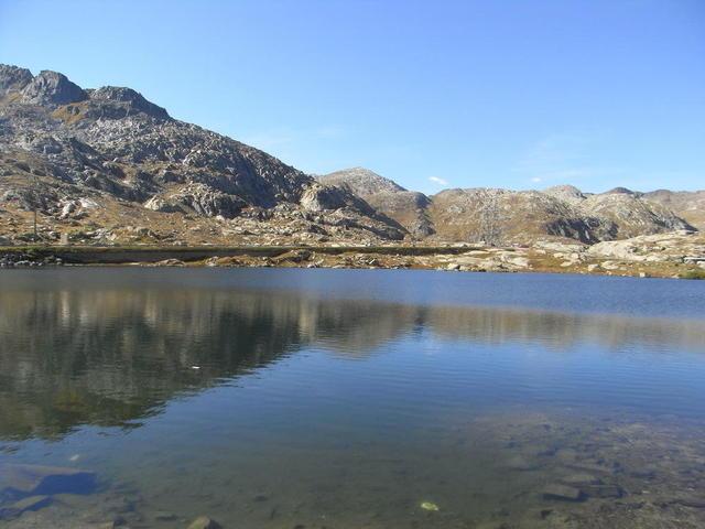 Einer der Seen im Gotthard-Massiv