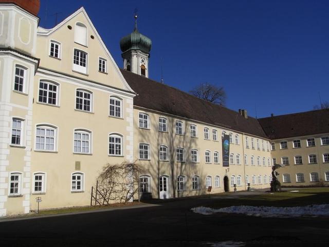 Schloss in Isny mit Eingang zur Kunsthalle